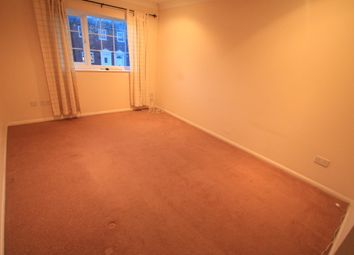 Thumbnail 1 bed maisonette to rent in Nayland Close, Luton