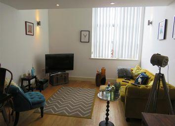 Thumbnail Flat to rent in Station Road, Ashford
