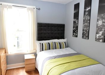 Thumbnail Room to rent in Musard Road, Barons Court, London