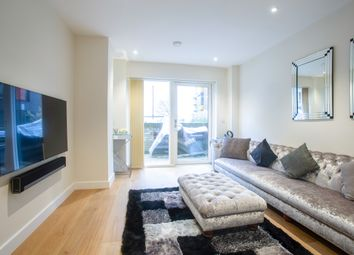 3 bed maisonette to rent in Landmann Point, Pear Tree Way, Greenwich Millenium Village, London SE10