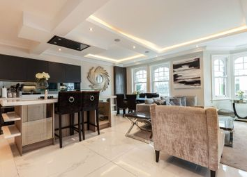 Clapham Road, Clapham SW9. 3 bed flat for sale