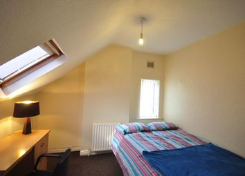 Thumbnail 5 bedroom shared accommodation to rent in Manor Drive, Hyde Park, Leeds