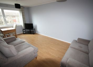 2 bed flat to rent in Cairncry Road, Cornhill, Aberdeen AB16