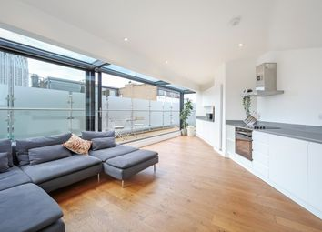 2 bed flat to rent in Coronet Street, London N1