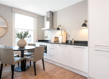 High Street, Bromley, Kent BR1. 2 bed flat for sale