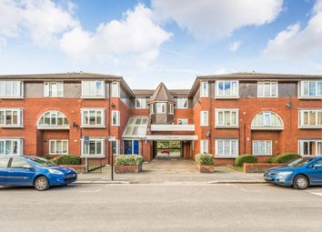 Thumbnail 2 bedroom flat to rent in West Avenue, London