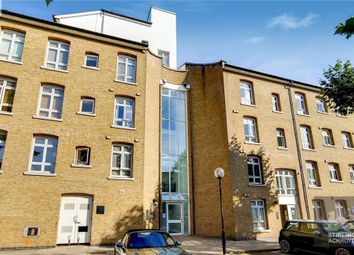 Fairfield Road, London E3. 3 bed flat for sale