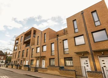 Thumbnail 2 bedroom flat for sale in Oscar Court, Rotherhithe Street