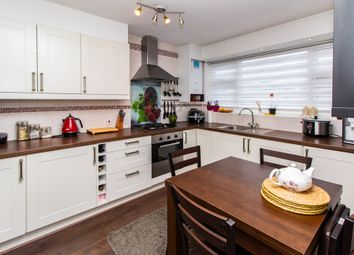 2 bed flat for sale in Worcester Drive, Rayleigh SS6