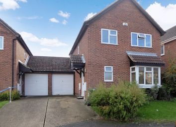 Thumbnail 4 bedroom detached house for sale in Goldcrest Close, Luton
