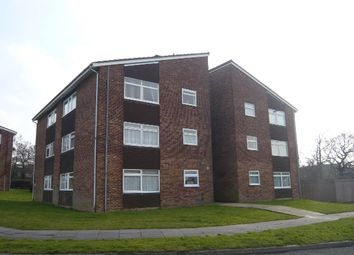 Thumbnail 2 bed flat to rent in Hillmead, Crawley