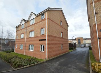 2 bed flat to rent in Melissa Court, High Wycombe HP13