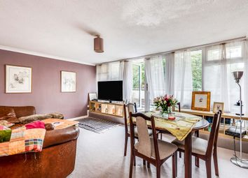 Thumbnail Flat for sale in Kingsway Gardens, Andover