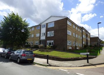 Thumbnail 2 bedroom flat for sale in Windsor Court, London