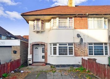 Thumbnail 2 bedroom maisonette for sale in Kingsley Gardens, London