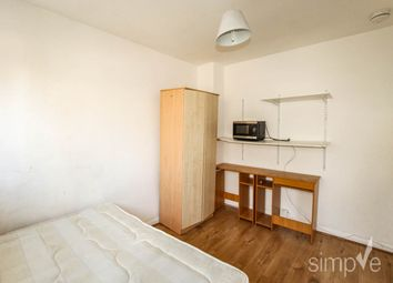 Room to rent in Dickens Avenue, Hillingdon, Middlesex UB8