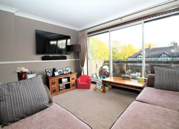2 bed flat to rent in Narboro Court, Manor Road, Romford RM1