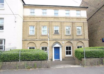 2 bed flat to rent in Broomfield Road, Chelmsford, Essex CM1