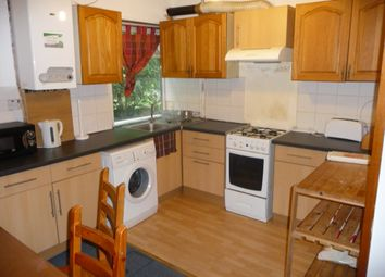 Thumbnail 6 bed property to rent in Kelso Gardens, Leeds