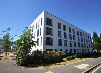 Thumbnail 2 bed flat to rent in Broadwater Road, Welwyn Garden City