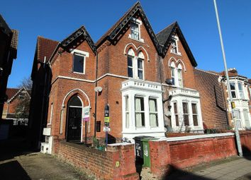 Thumbnail 2 bedroom flat for sale in Victoria Road North, Southsea