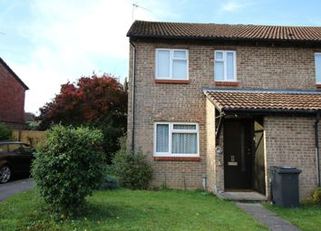 Thumbnail 1 bed flat to rent in Hogarth Close, Basingstoke