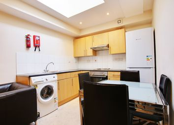 Thumbnail 2 bed flat to rent in Old Kent Road, Southwark, London