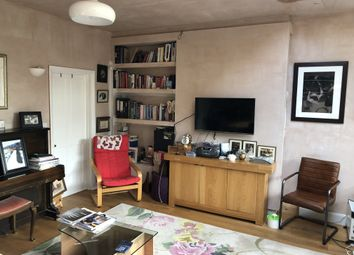 Room to rent in Westway Close, Raynes Park, London SW20