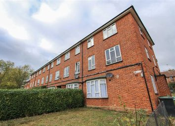 Thumbnail Flat for sale in Hillyfields, Loughton, Essex