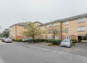 Bailey Close, London N11. 2 bed flat