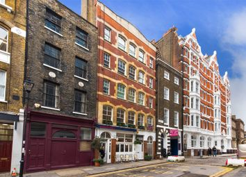 Thumbnail 1 bed flat to rent in Charterhouse Street, London
