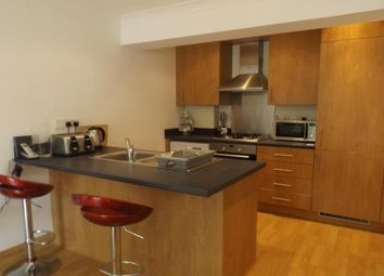 Thumbnail 1 bed flat to rent in Cambridge