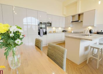 Thumbnail 2 bed town house for sale in King Edward Court, Retford