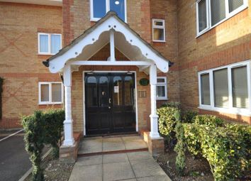 Thumbnail 2 bed flat to rent in Oakwood Road, Bricket Wood, St.Albans