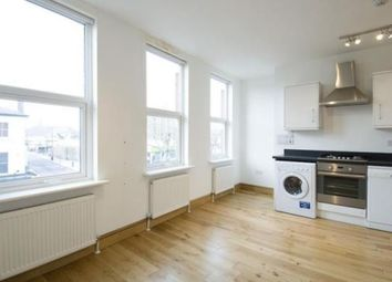 Thumbnail Studio to rent in High Road, East Finchley