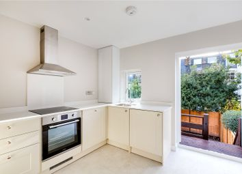 3 bed maisonette to rent in Broughton Road, London SW6