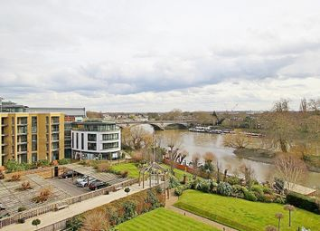 Thumbnail 4 bed flat for sale in Kew Bridge Road, Brentford