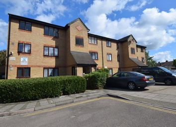 Thumbnail 1 bedroom flat to rent in Chartwell Close, London