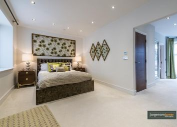 Thumbnail 3 bed town house to rent in Goldhawk Road, Shepherds Bush, London