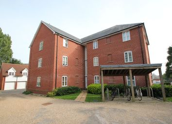 Thumbnail 2 bed flat to rent in Groves Close, Colchester