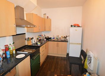Thumbnail 6 bedroom triplex to rent in Brudenell Grove, Hyde Park, Leeds