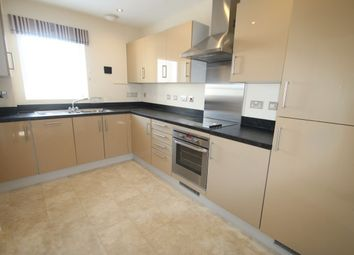 Thumbnail 2 bed flat to rent in Wren Gardens, Portishead, Bristol