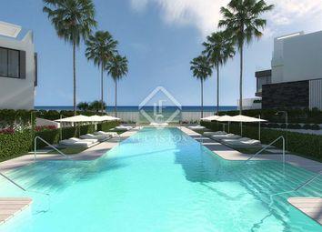 Thumbnail 3 bed villa for sale in Spain, Andalucía, Costa Del Sol, Marbella, Estepona, Mrb5834