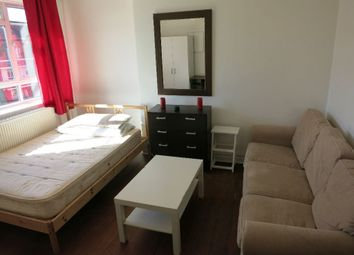 Thumbnail Room to rent in Australia Road, Shepherds Bush, London