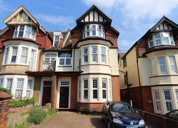 2 bed flat to rent in Palmerston Road, Westcliff-On-Sea SS0