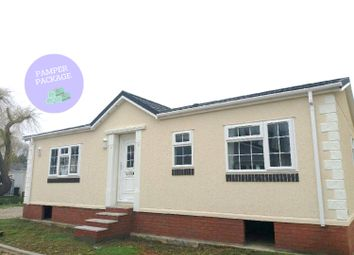 Thumbnail 2 bed mobile/park home for sale in Dogdyke, Hawthorn Hill, Coningsby, Lincolnshire