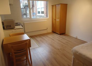 Thumbnail Studio to rent in Princes Avenue, Muswell Hill