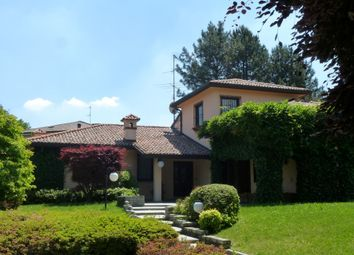 Thumbnail 3 bed villa for sale in Montorfano, Como, Lombardy, Italy