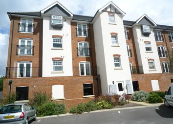 Thumbnail 2 bedroom flat to rent in Woodfield Road, Crawley