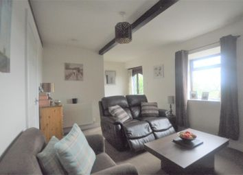 2 bed terraced house to rent in Bradford Road, Clayton, Bradford BD14
